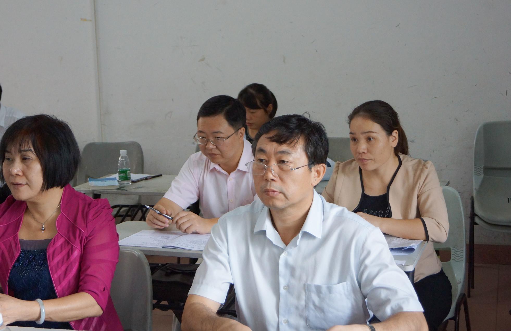 史海涛副校长深入课堂听课