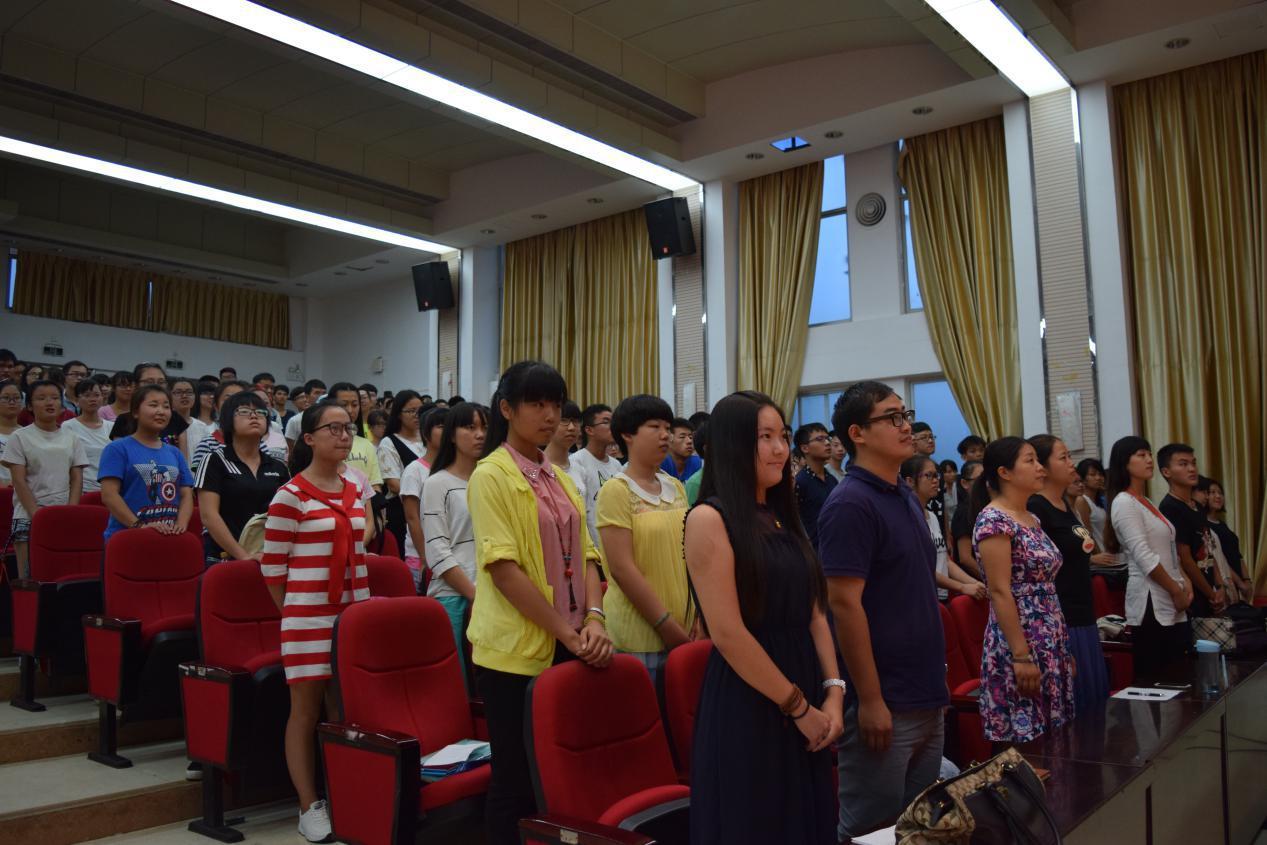 化学与化工学院举行2015级新生开学典礼