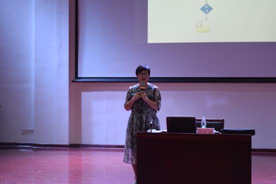 化学与化工学院举办2016级新生心理健康知识讲座