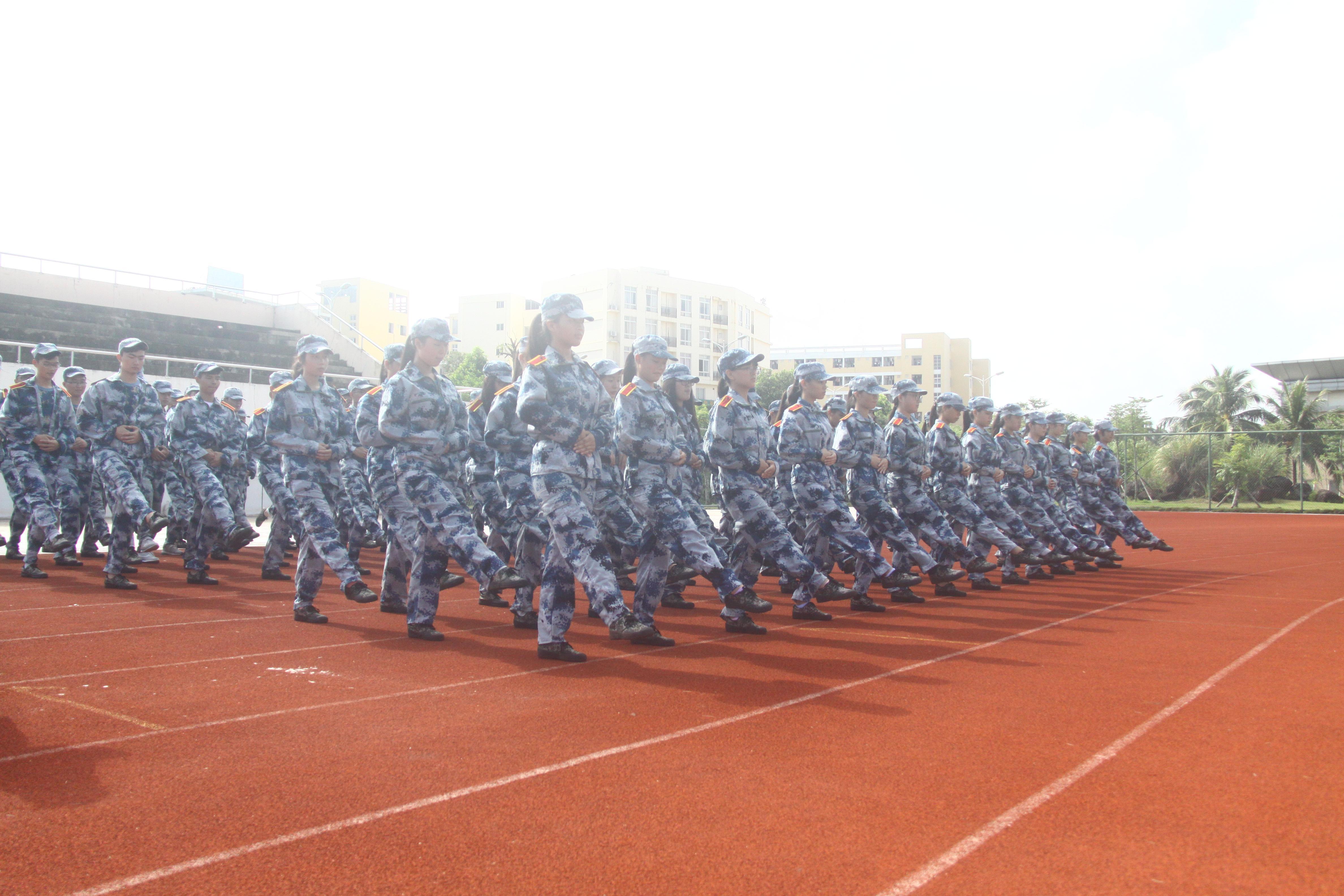 信息学院军训工作受到学校表彰
