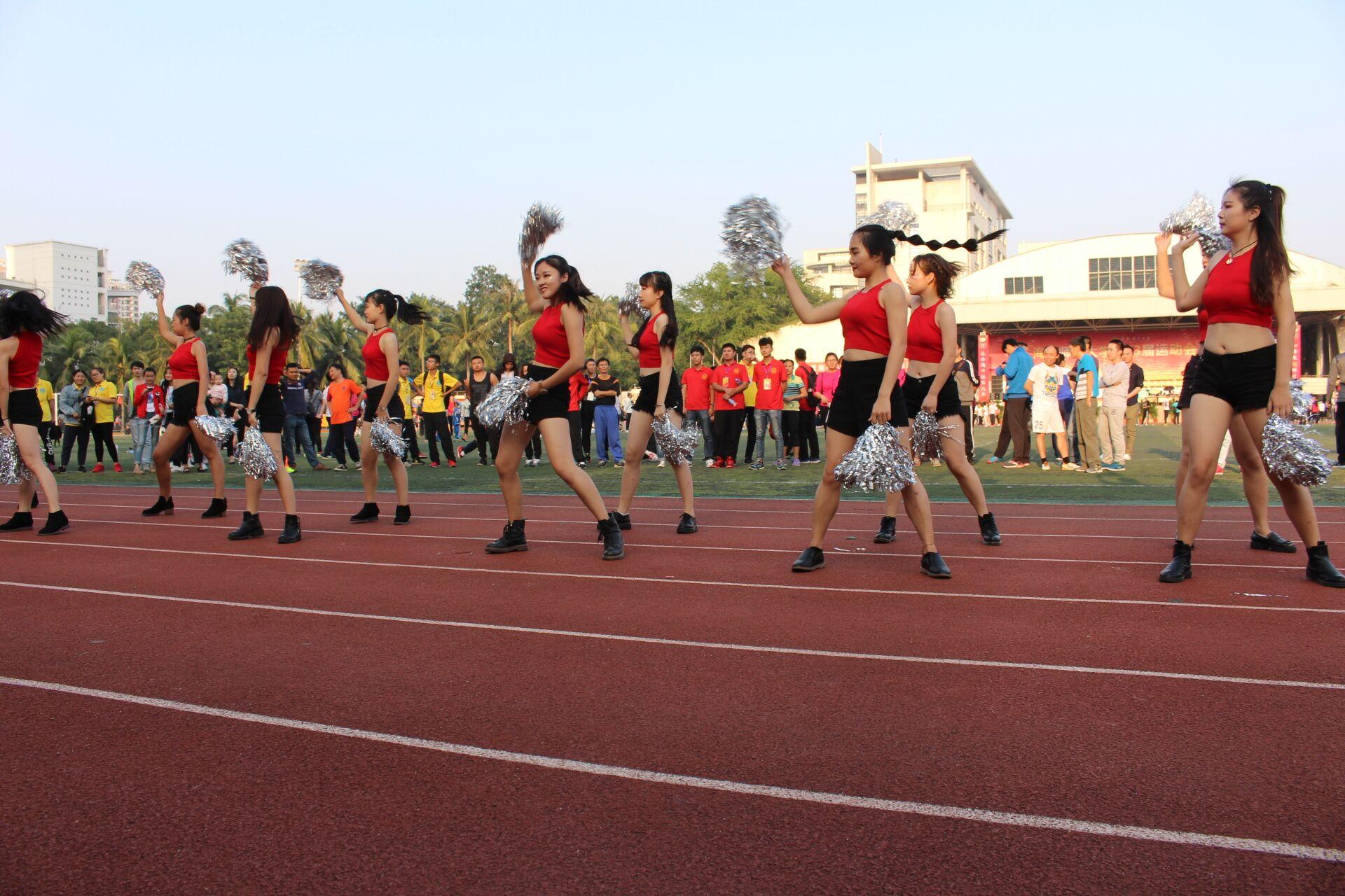 青年之声·齐心协力创佳绩,势如破竹夺第三——记海南师范大学第三十三届运动会