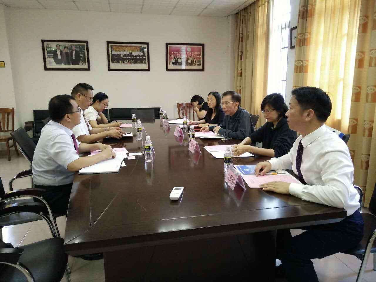 印尼雅加达华文教育协调机构蔡昌杰主席一行访问我校