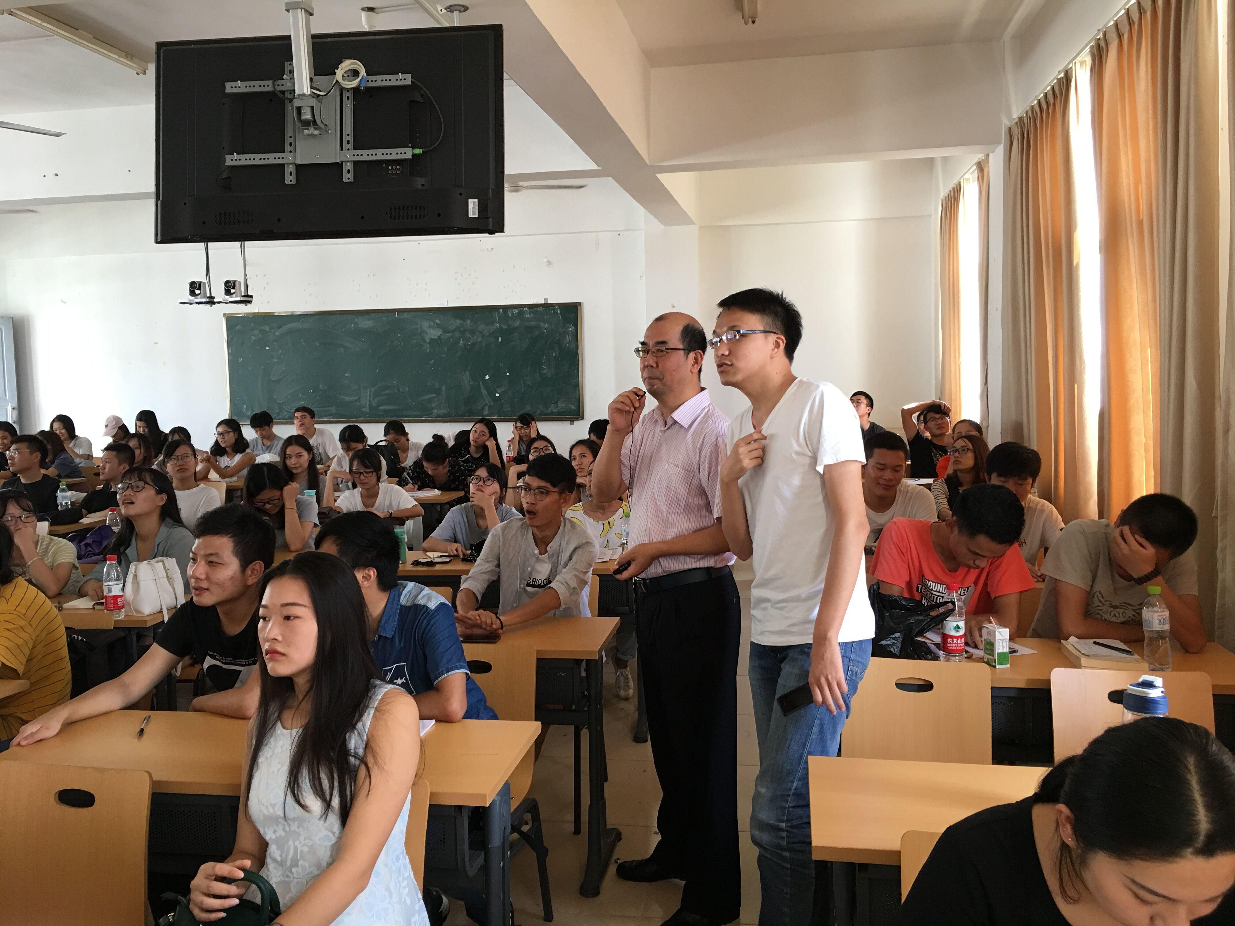 365亚洲最新线路网址毕业生求职尝试与技巧讲座圆满举行