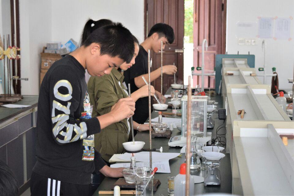 化学与化工学院承办海南省第二十届中学生化学实验操作竞赛