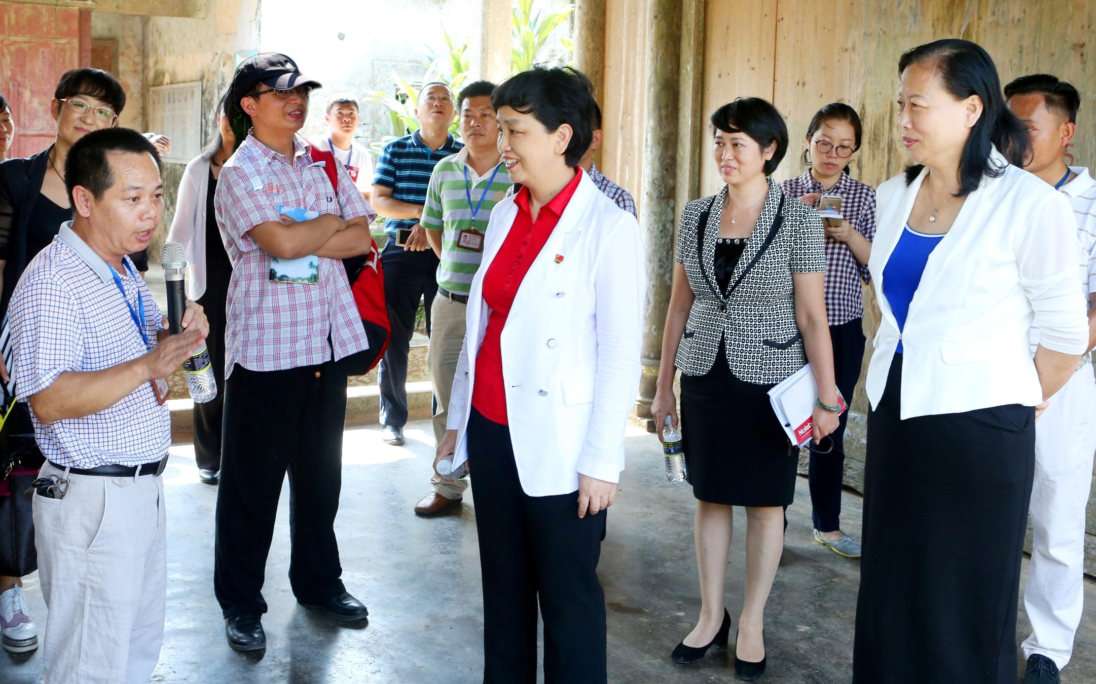 李红梅书记一行到桂林洋管委会交流调研 拟共建传统村落迈德村