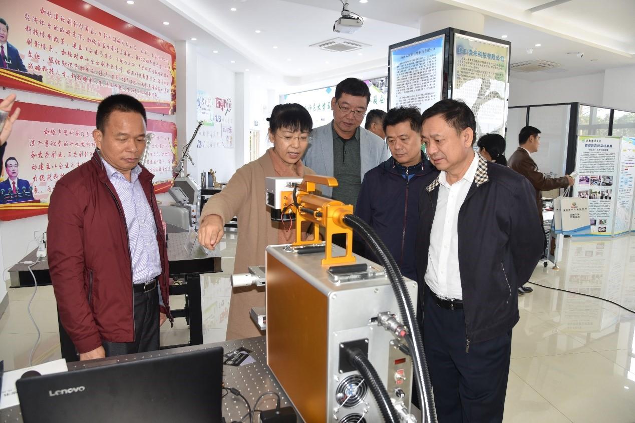海南省政协副主席、科技厅厅长史贻云到科技园调研