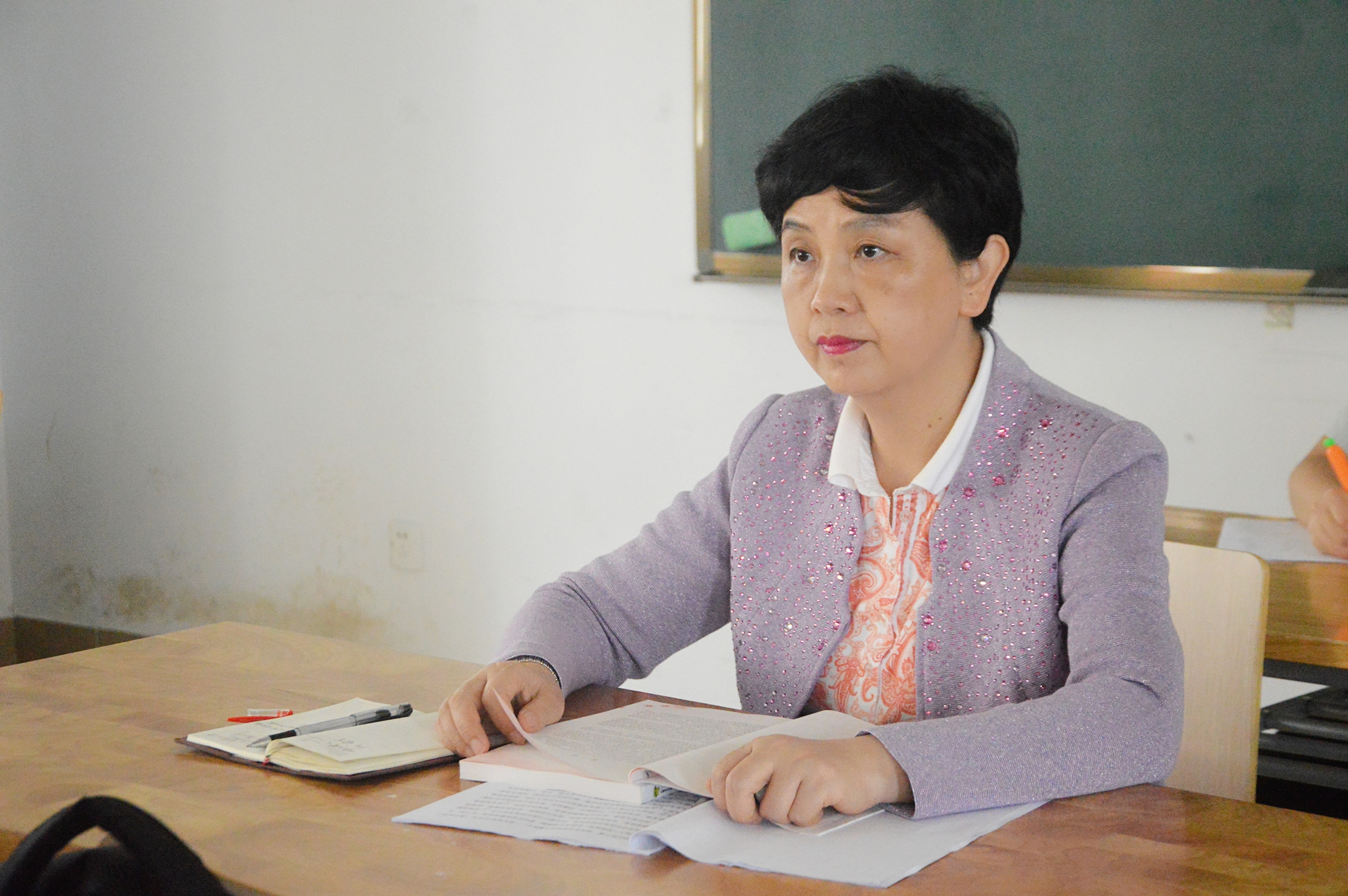 青年之声・王红梅书记深入我院课堂听课