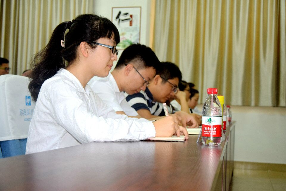 青年之声・做一名受欢迎的学生干部