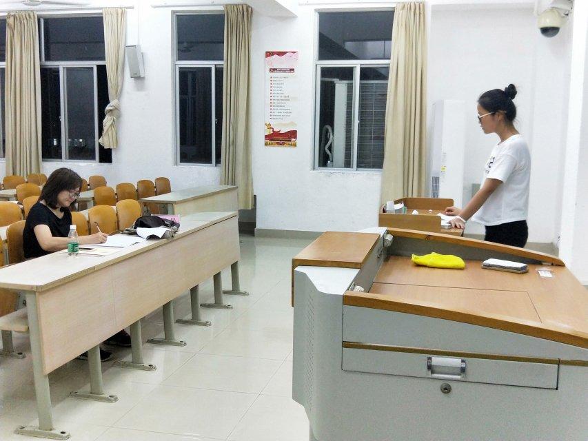 我院组织开展教师资格证面试试讲服务