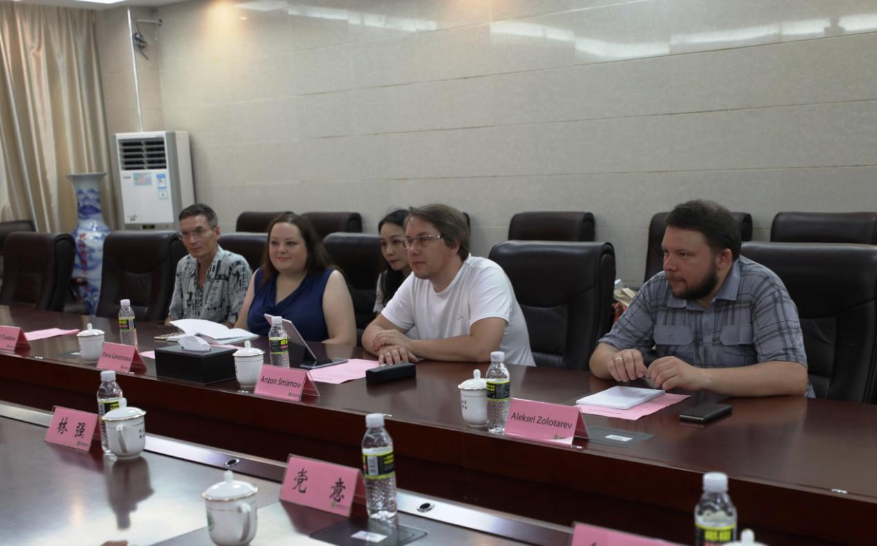 俄罗斯圣彼得堡国立电影电视大学代表团来访我校共商合作办学工作