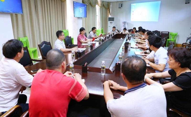 李红梅书记参加机关一支部学习并为党员干部上党课