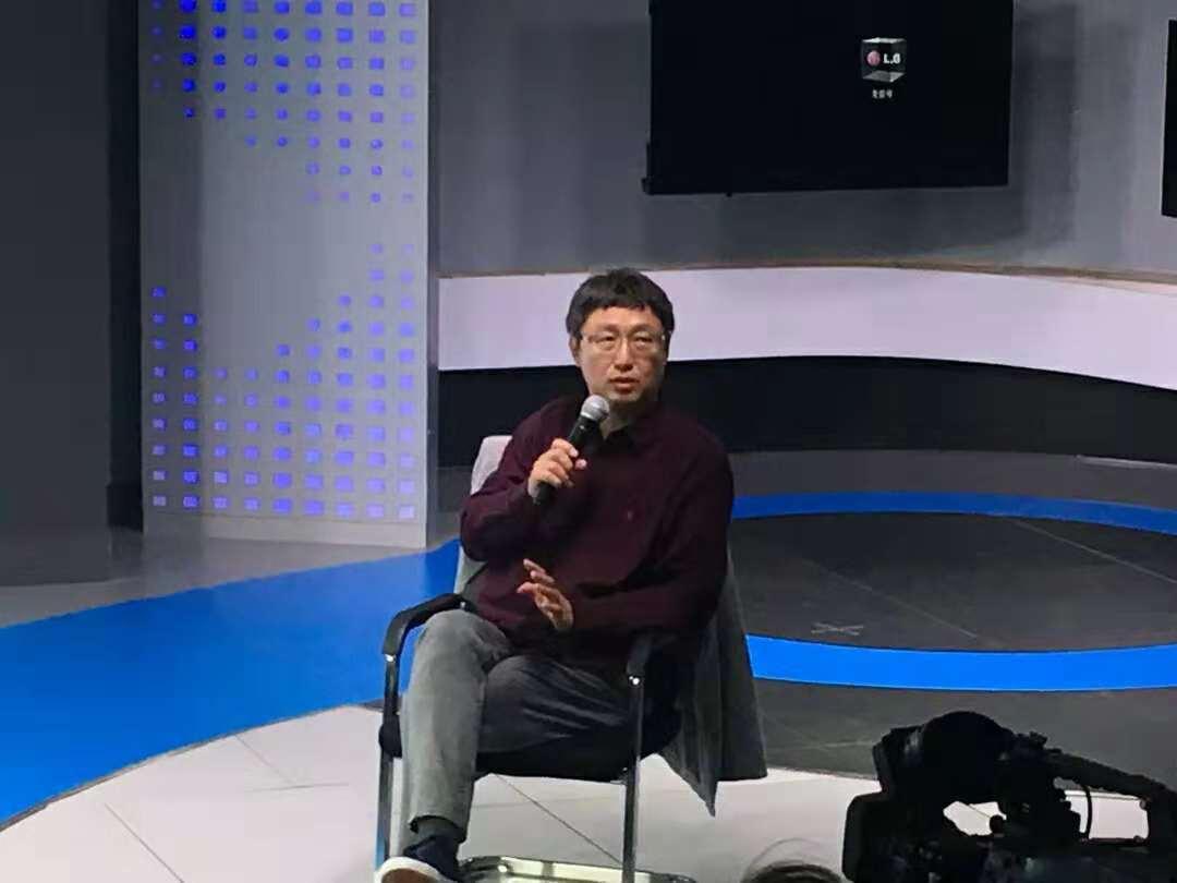 长江学者特聘教授吴俊到365bet亚洲官网网址讲学