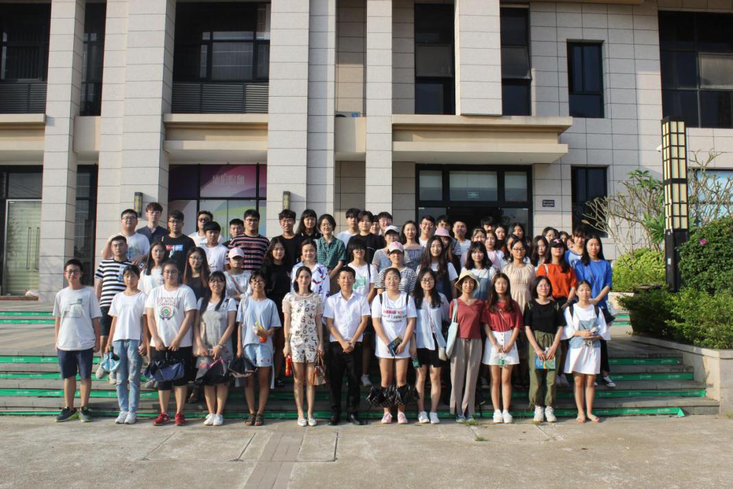 青年之声・新传学院开展多元化创新创业实践周活动
