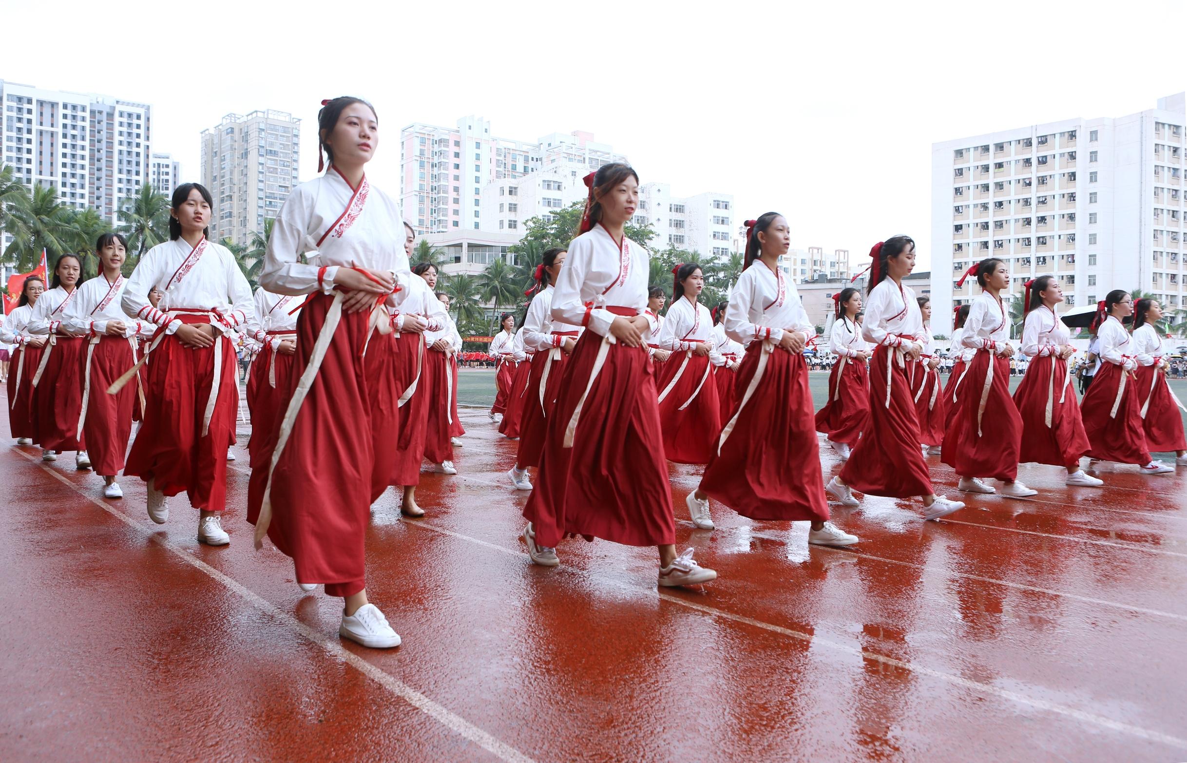 【第35届校运会】我校举行第三十五届运动会开幕式