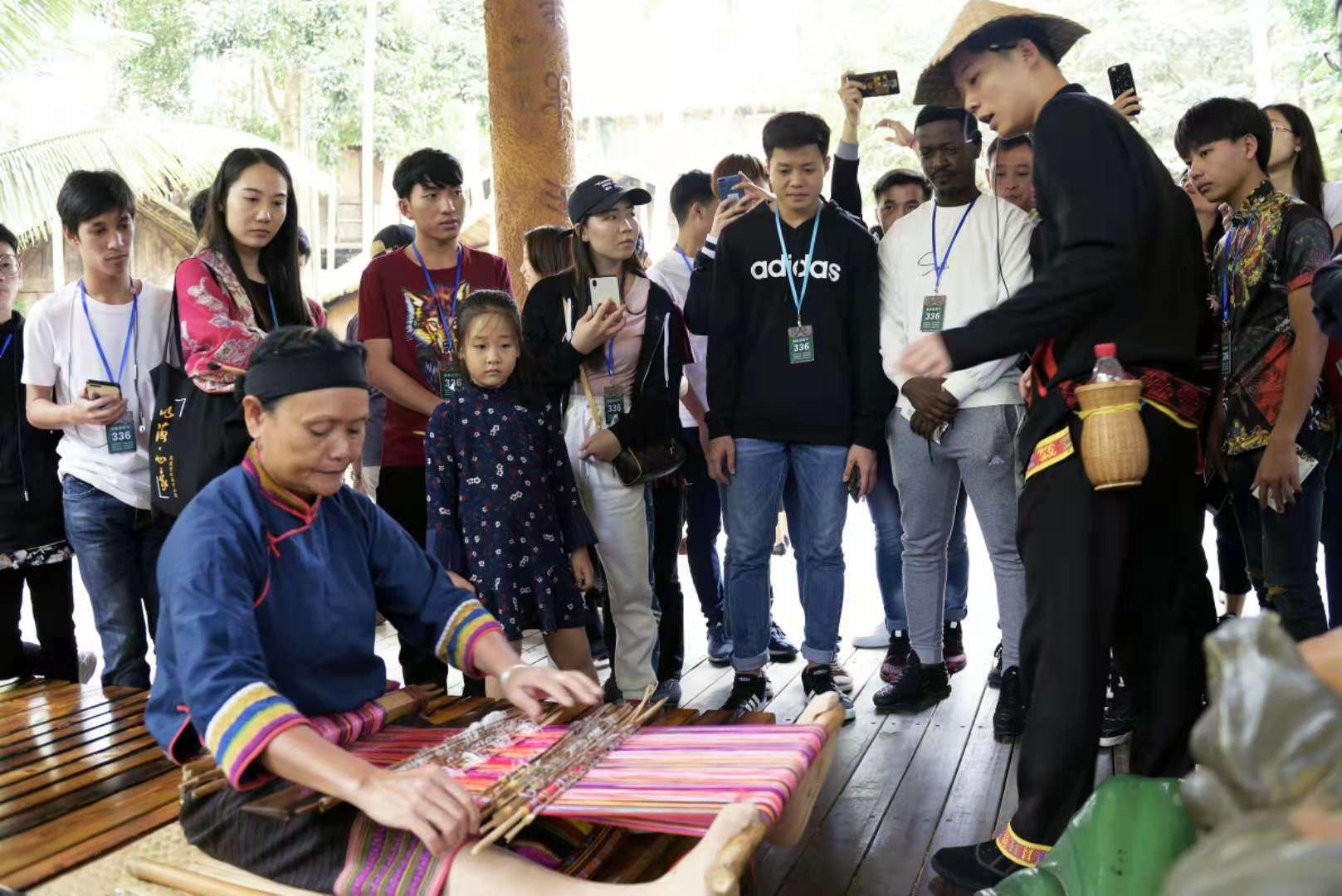 我校组织优秀留学生开展文化体验活动