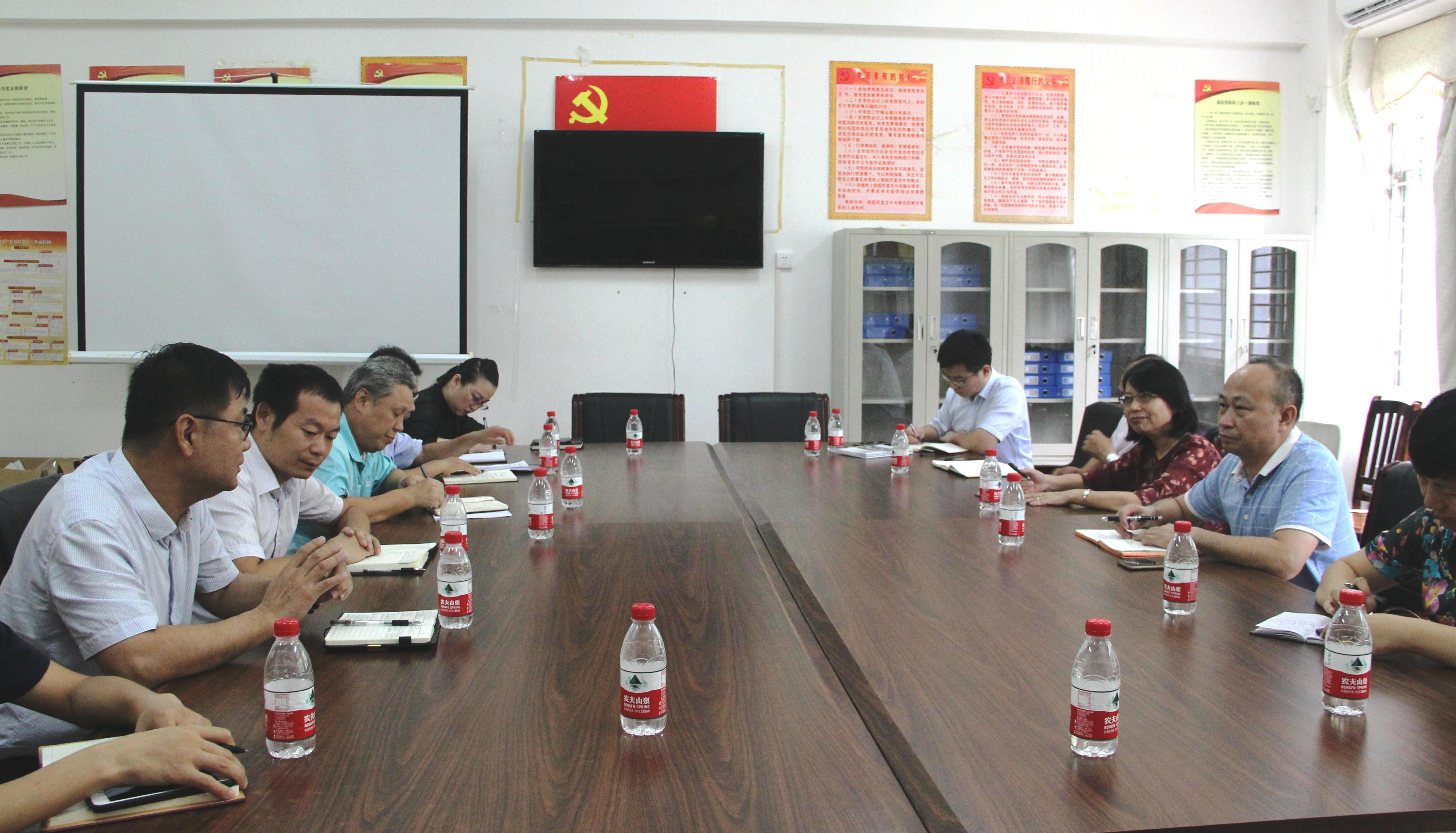 校領導到外國語學院、經濟與管理學院調研