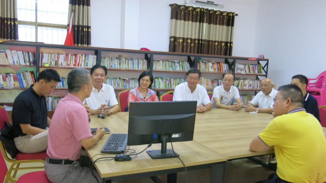 林强带队到亚欠村调研指导扶贫工作