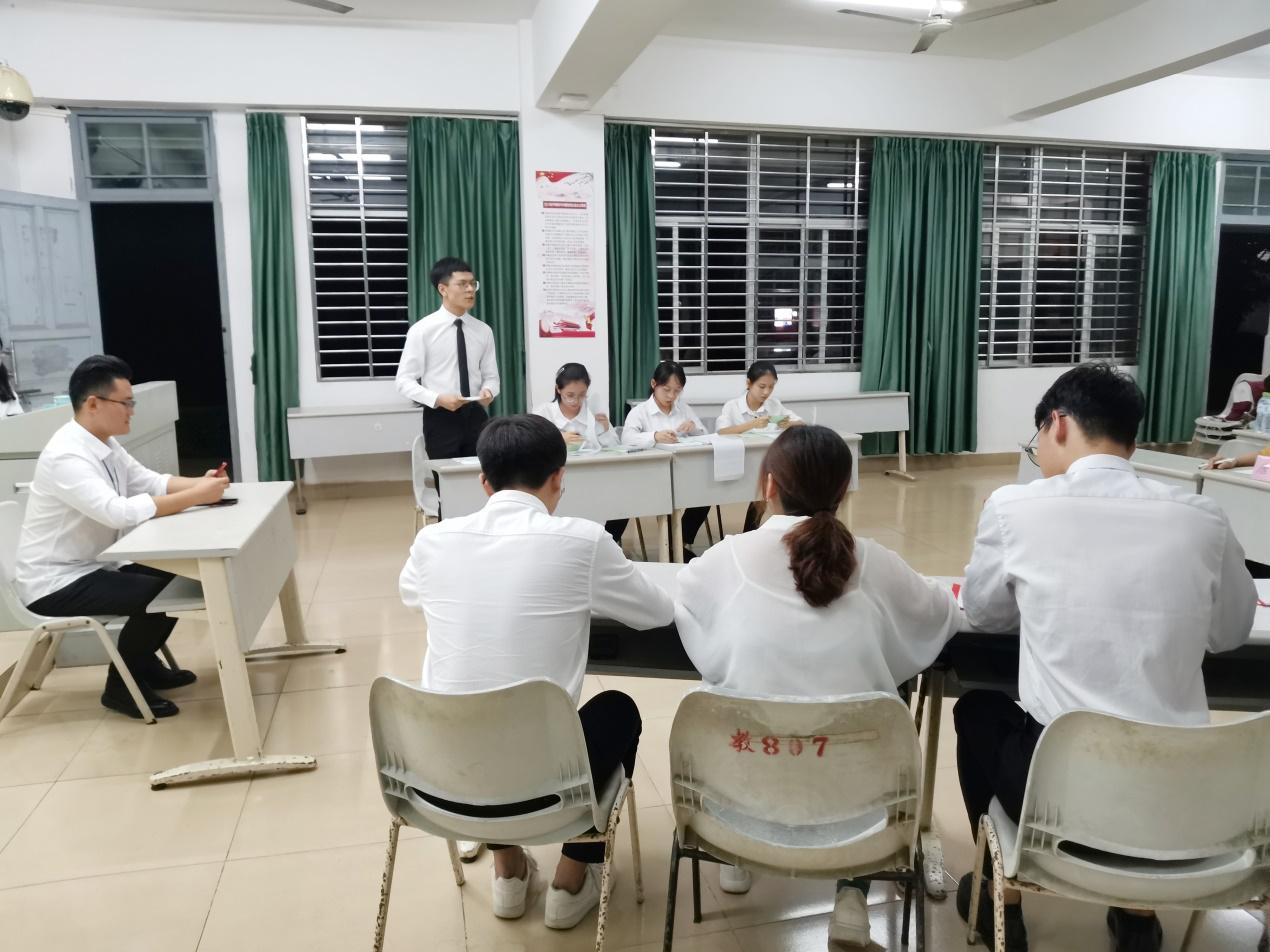 """法学院成功举办2019年度""""理律杯""""辩论赛"""