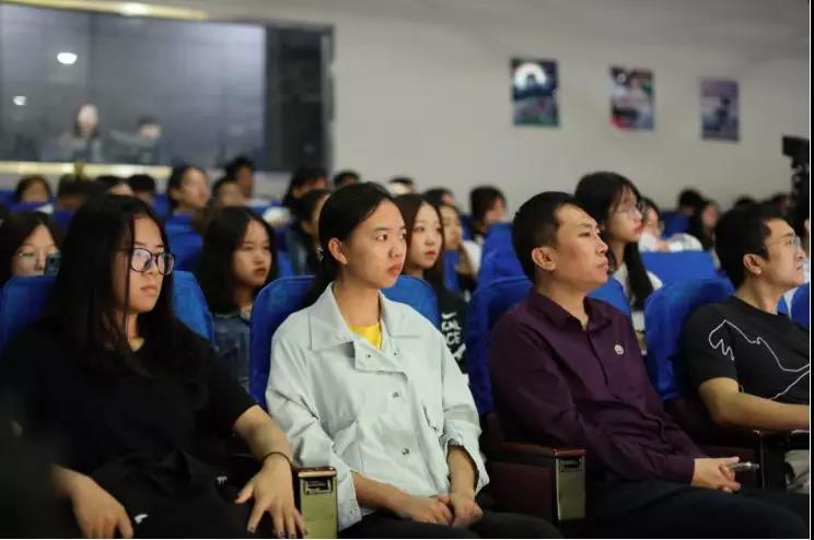 姚国强教授到365亚洲最新线路网址讲学
