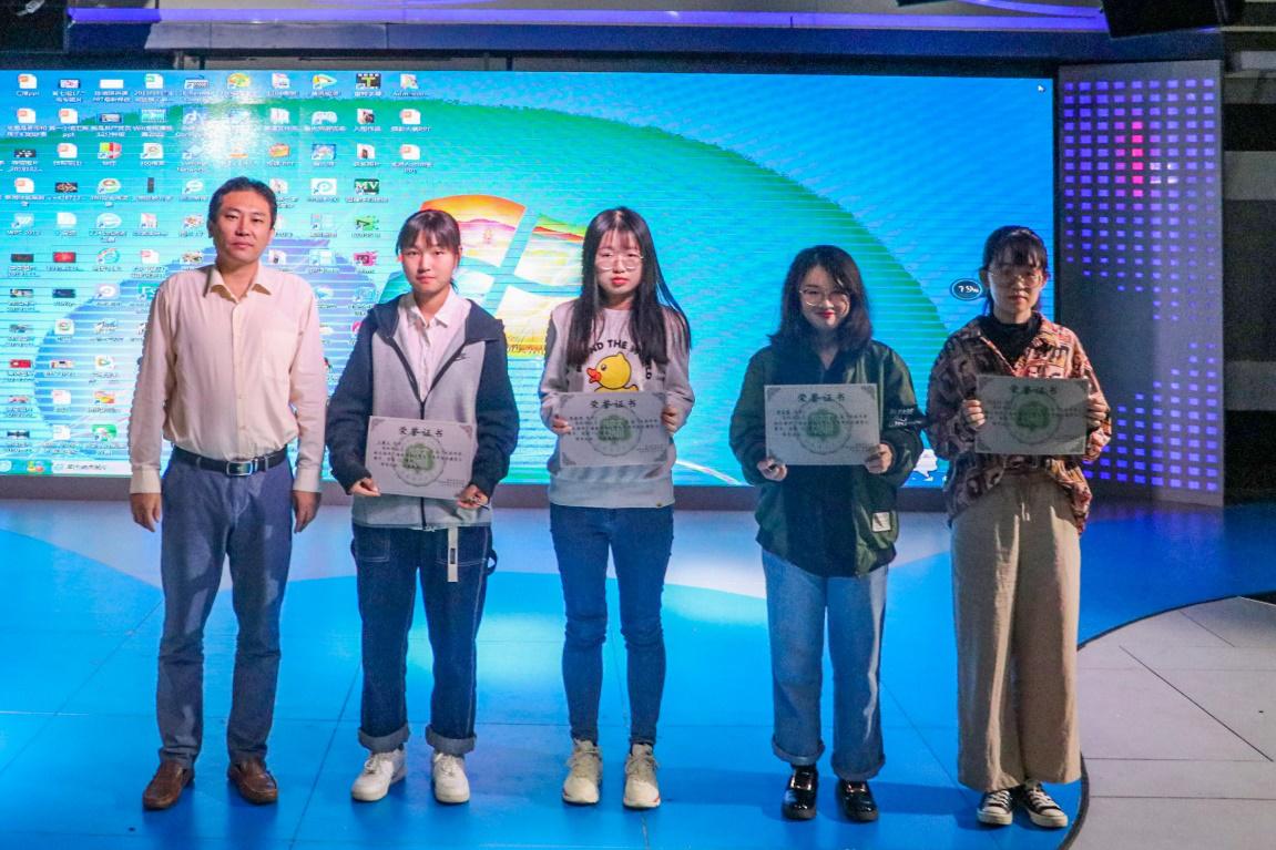 """365亚洲最新线路网址举行""""光影年华,献礼海师""""摄影大赛颁奖仪式"""