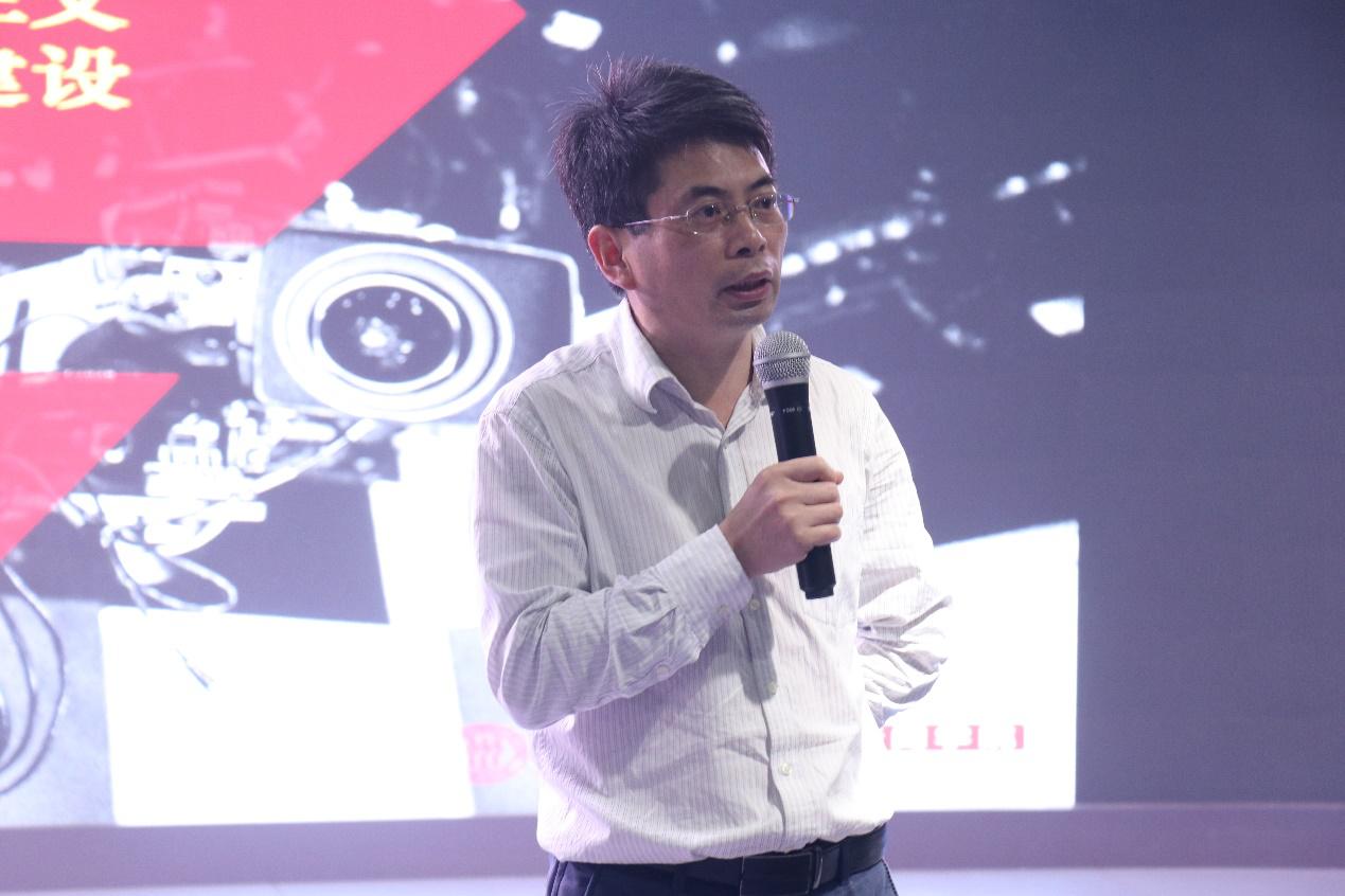 邓绍根:新时代马克思主义新闻宣传文风建设