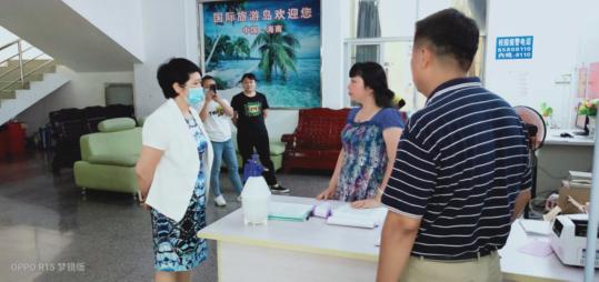 校领导带队走访调研龙昆南校区学生宿舍和实验小学
