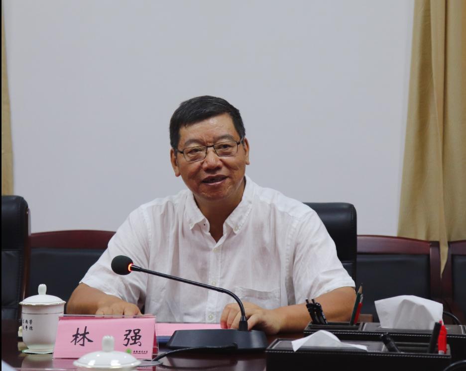 北京外国语大学副校长闫国华一行到我校调研座谈