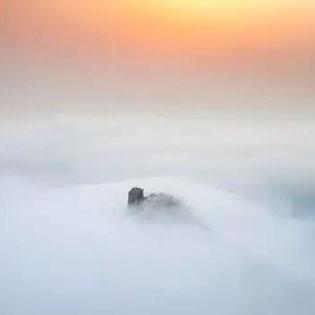 校友美文(第五篇)四月你好,大雪纷飞终于等到望京楼云海!