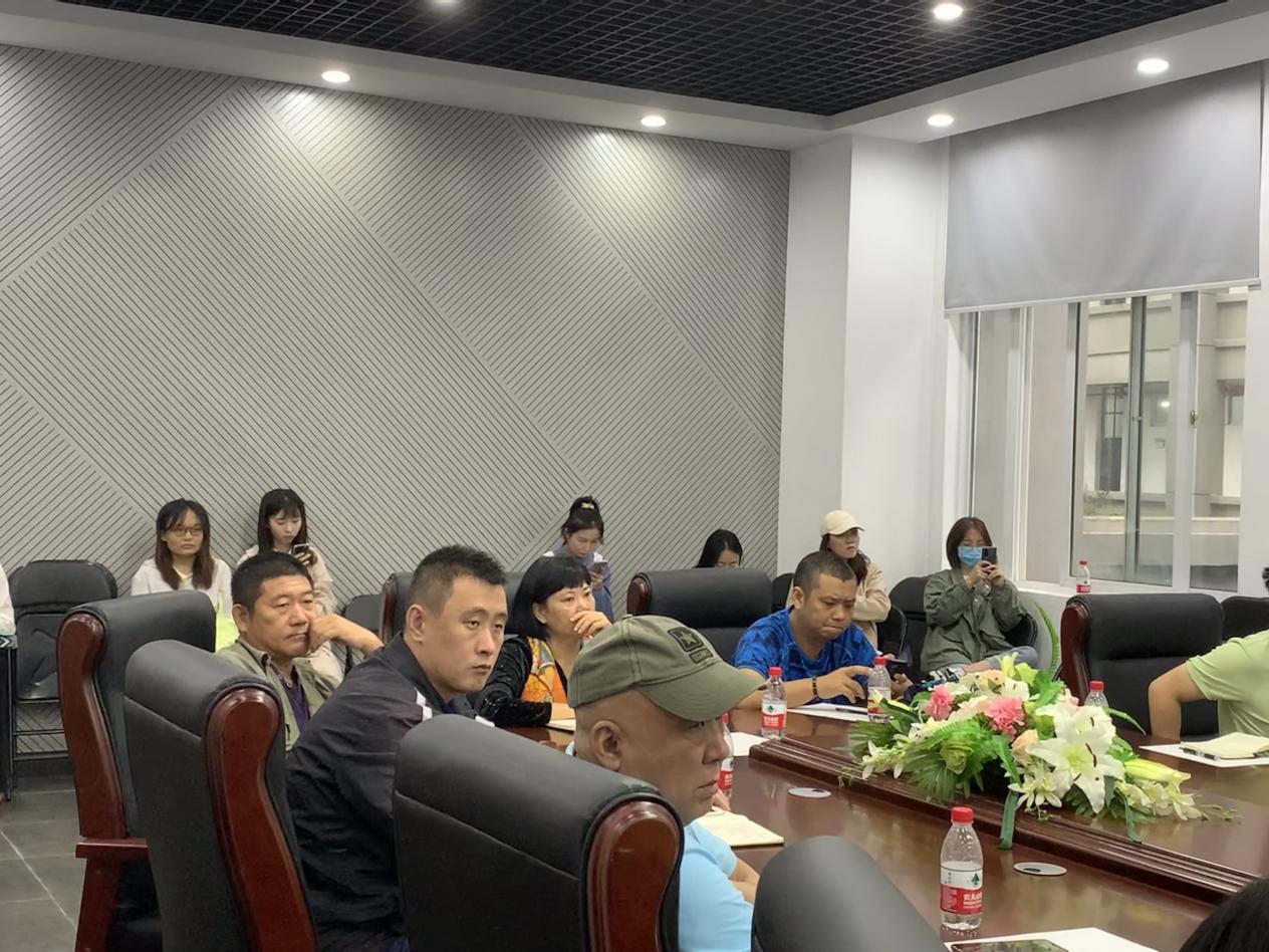 打糖果官网正规网址888召开师范认证工作会议