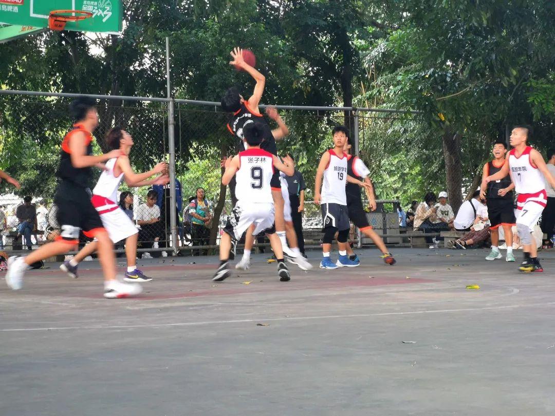 我院篮球队参加校迎新杯篮球赛 取得开门红