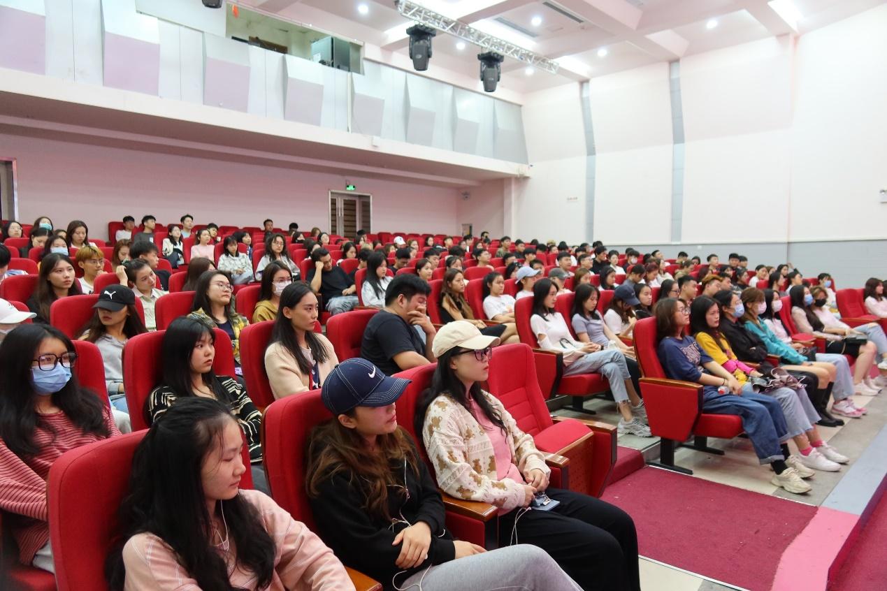 海南省创业导师李修来博士为音乐学院学生作讲座