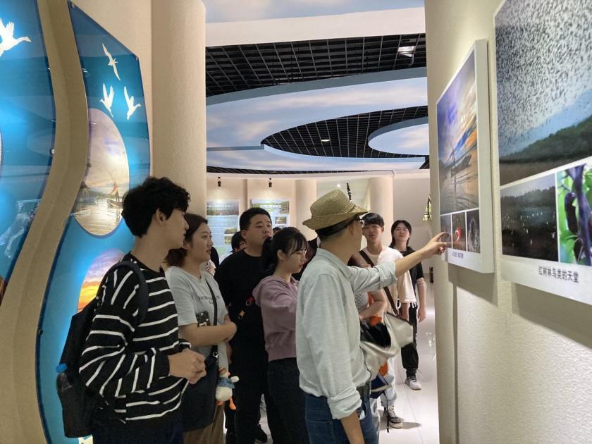 旅游学院赴东寨港红树林开展见习活动