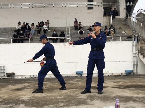 青年之声·记教育学院2020级新生军训消防演练